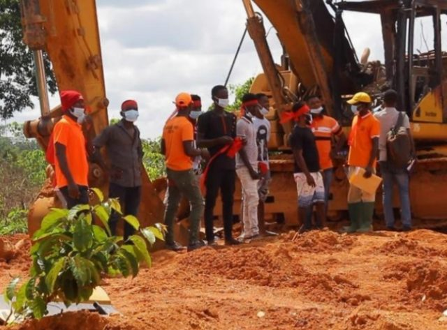 National Association of Small Scale Miners have given government a 7 days ultimatum to restore burnt excavators.